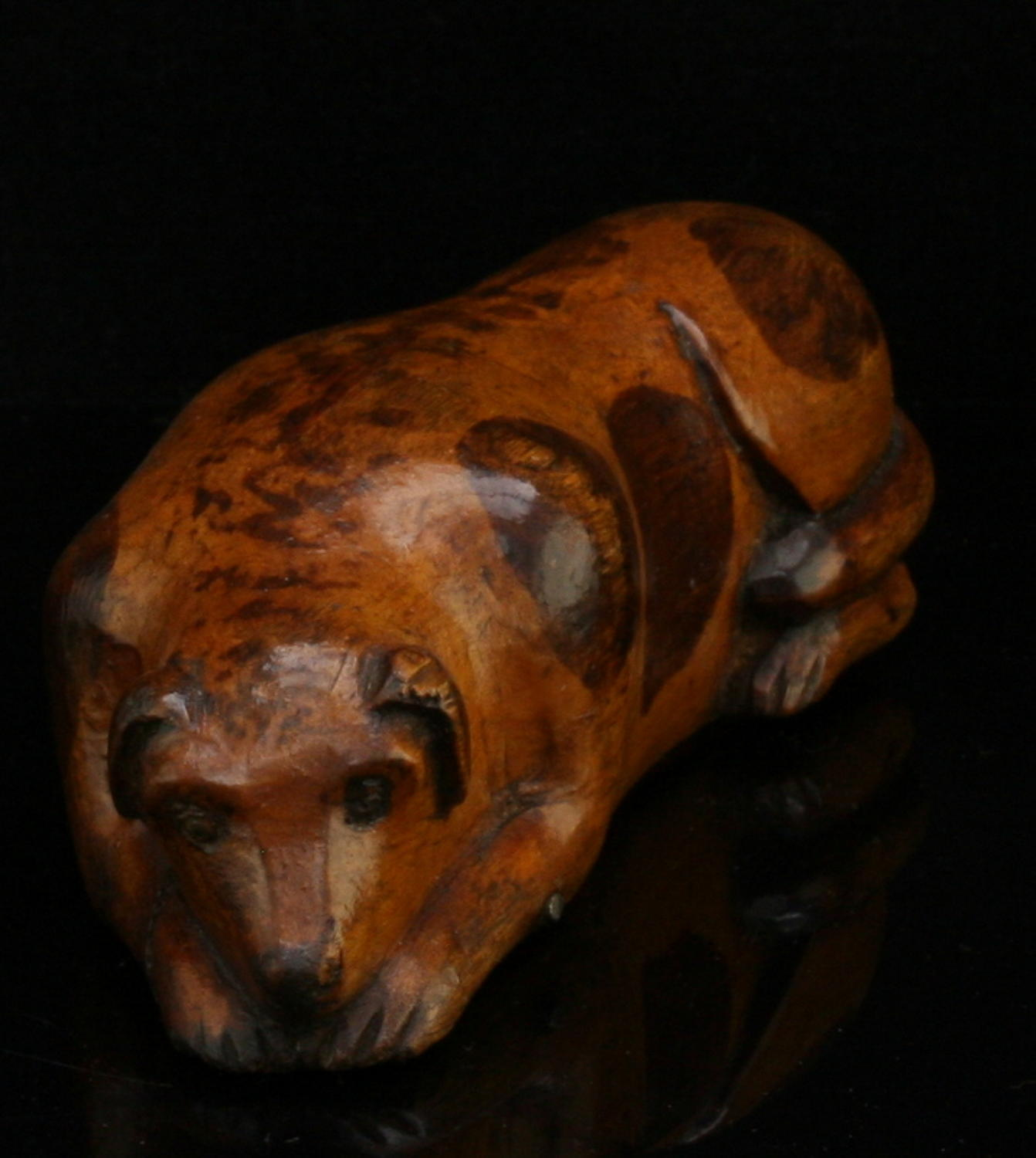 Treen Spotted Dog Snuff Box c.1860