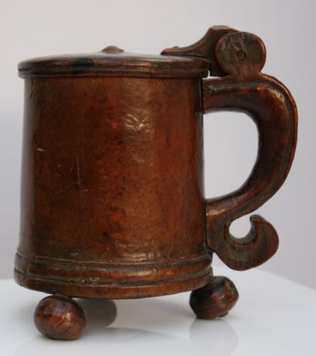 Early 18th Century Scandinavian burr Maple Tankard