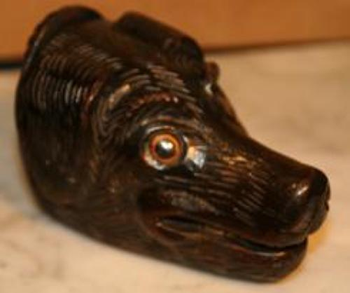 Dog head snuff box