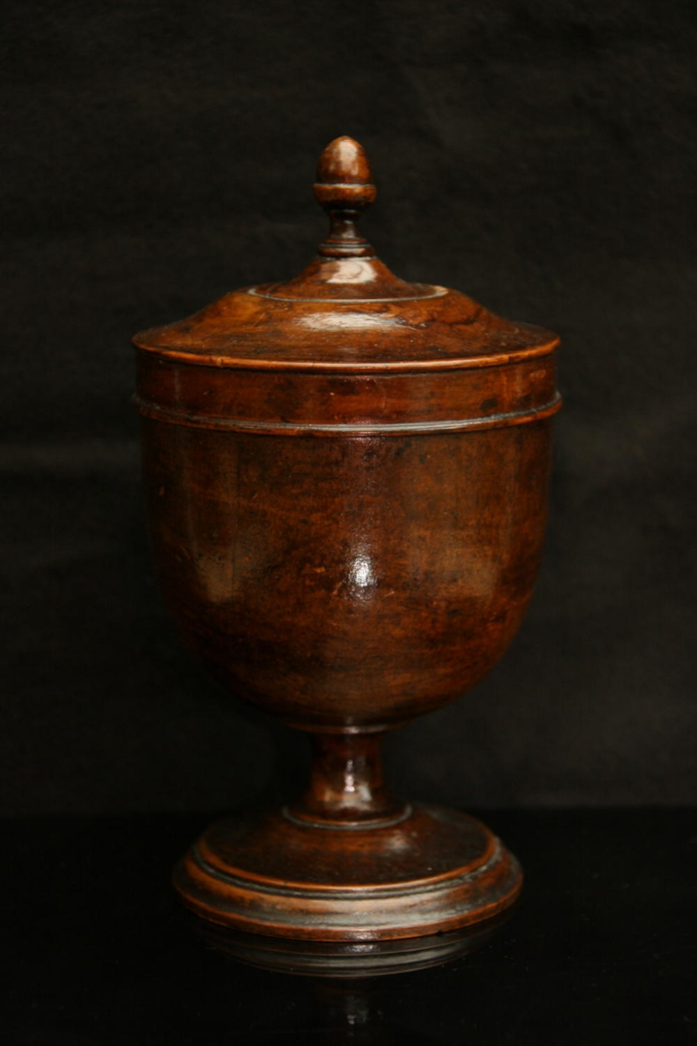 Treen 18th century Caddy / lidded canister.