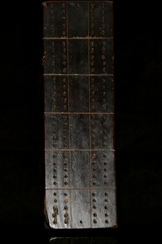 English treen  Cribbage board