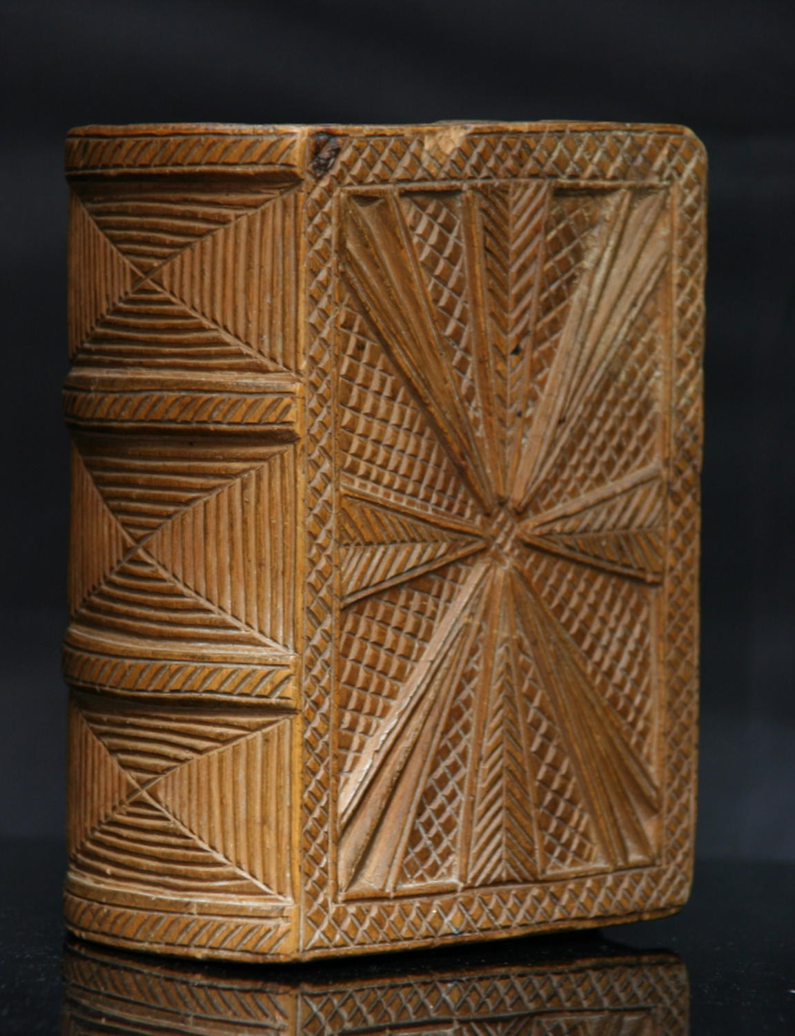 Large Chip Carved Treen Book Box 1758