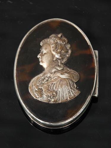 Queen Anne Snuff Box