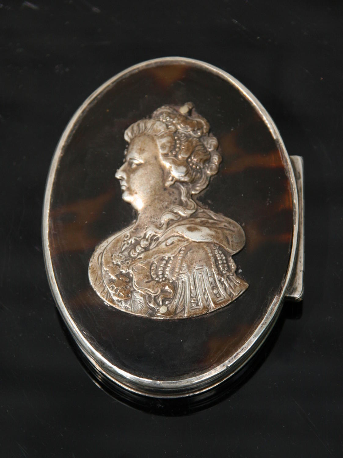 Queen Anne Snuff Box