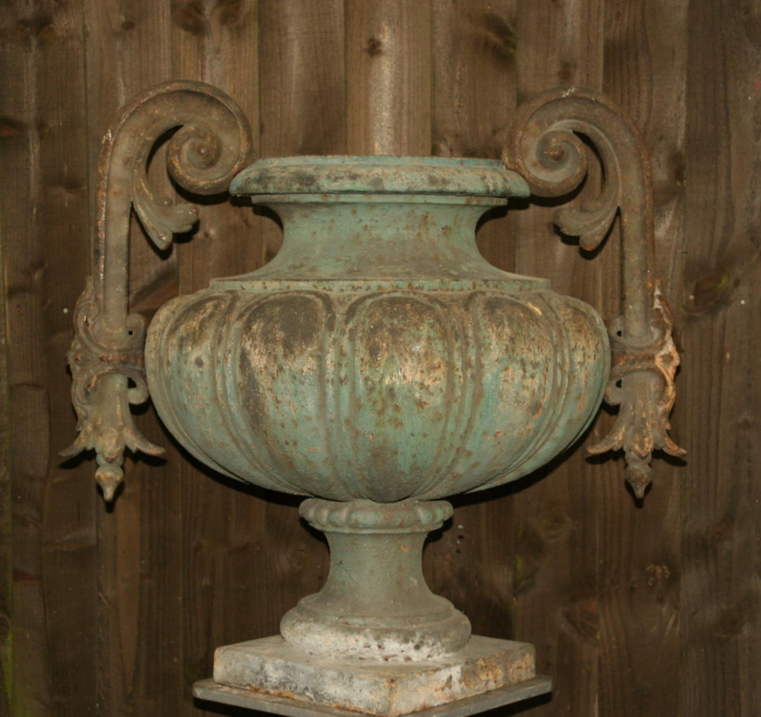 Large cast Iron Urn / Planter 19th century