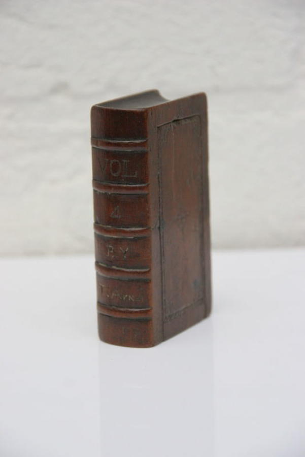 Bookbox form  Snuff Box 1852