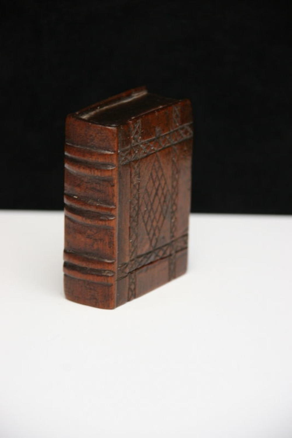 19th century Book box form Snuff box