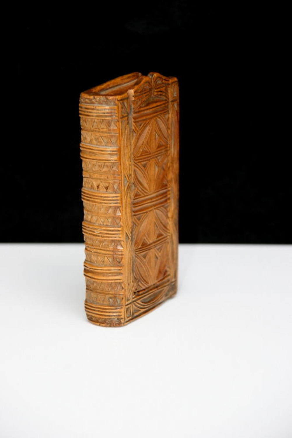18th century book box form snuff box