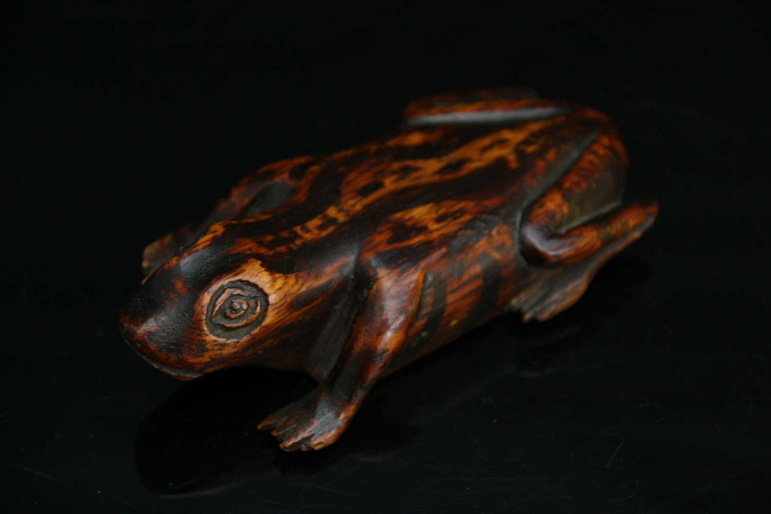 Painted Treen Frog Snuff Box 19th century