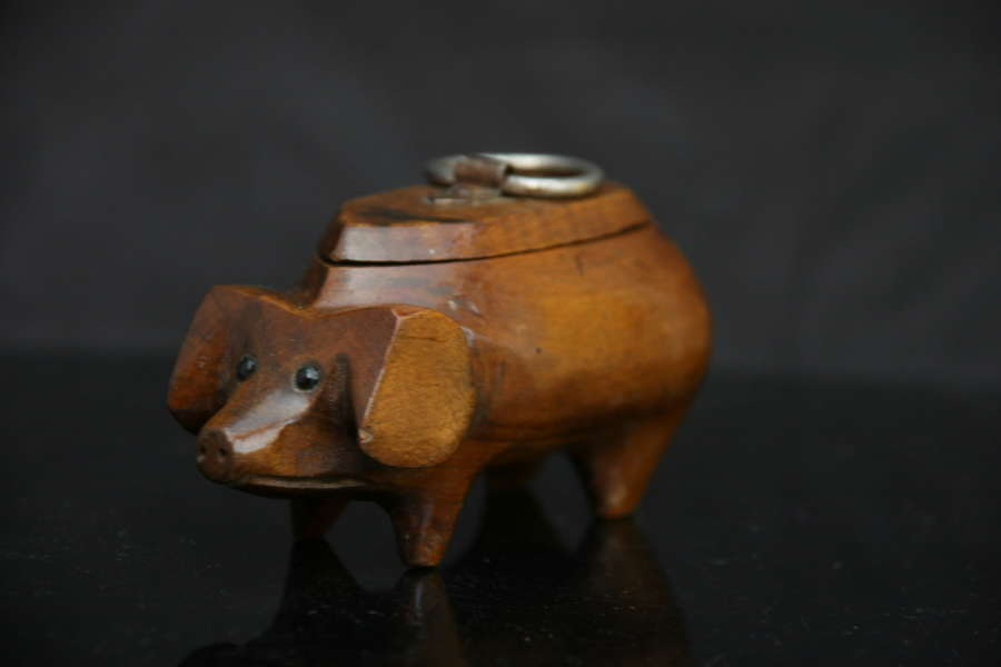 Treen Pig Snuff Box, French c.1900