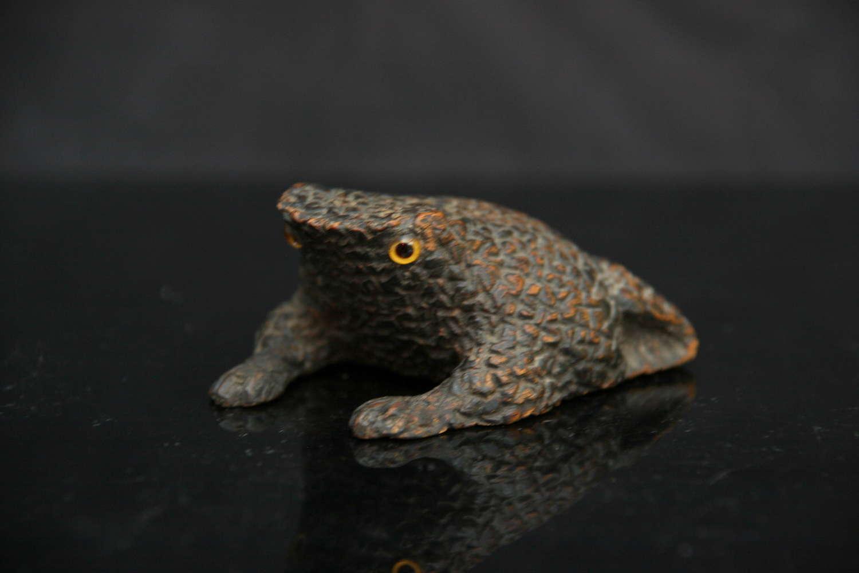 Treen Toad / Frog Snuff Box 19th century