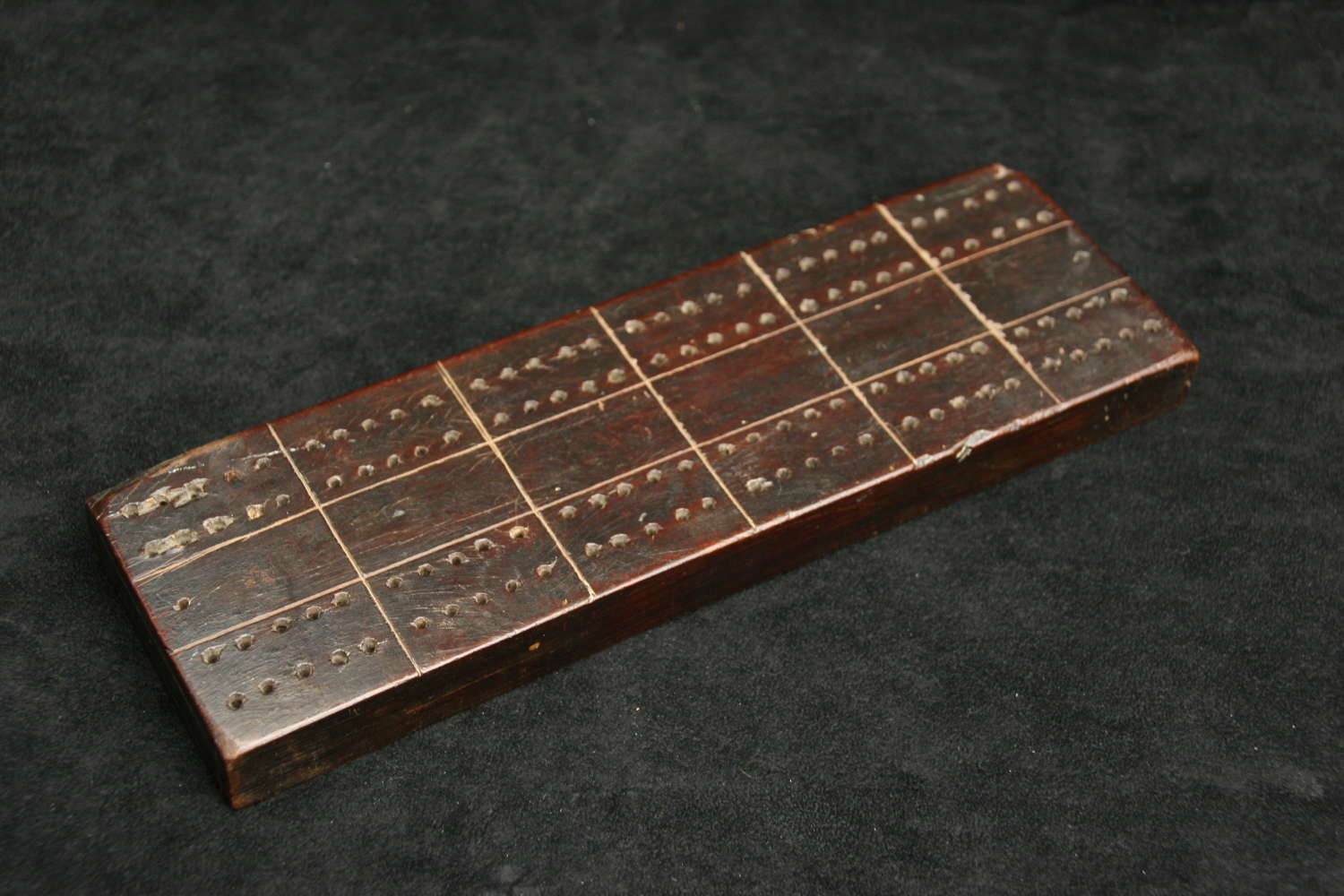 Treen 18th century Cribbage Score Board