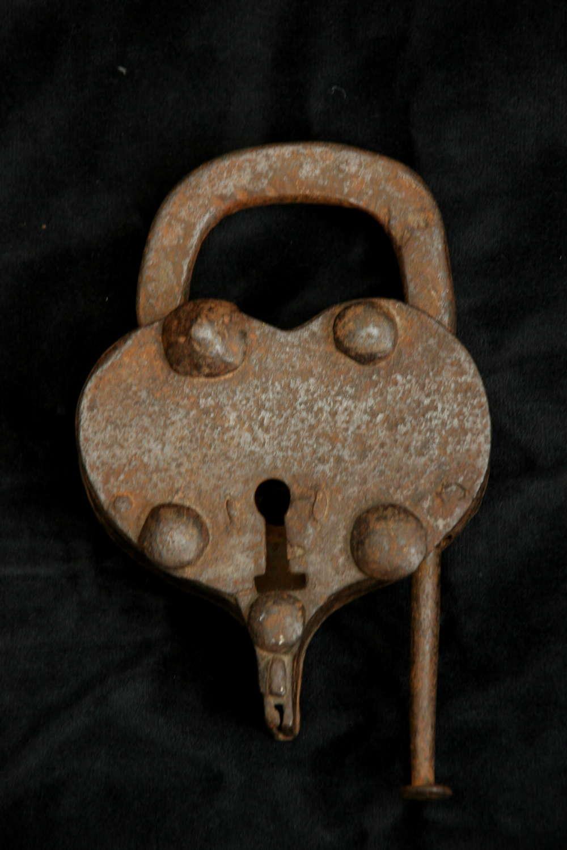 Decorative Shackle Tail Iron Padlock c.1700