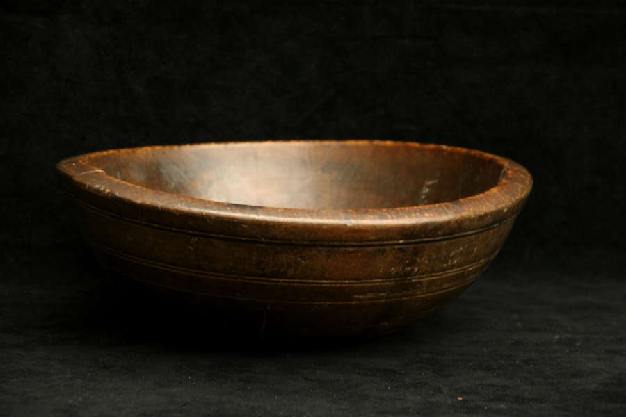 English Treen late 18th Dairy / Kitchen Bowl