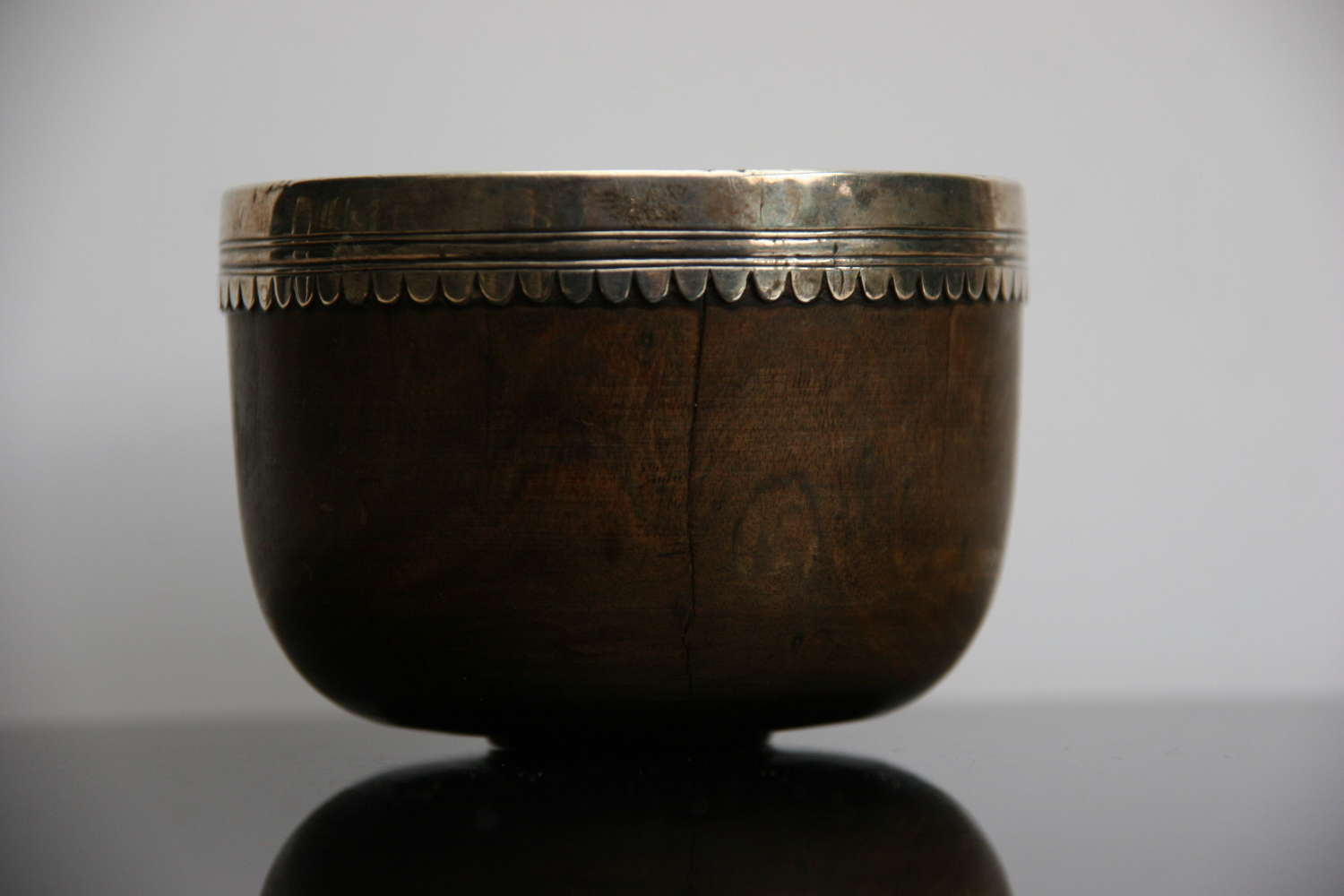 Treen 17th century dipper Cup