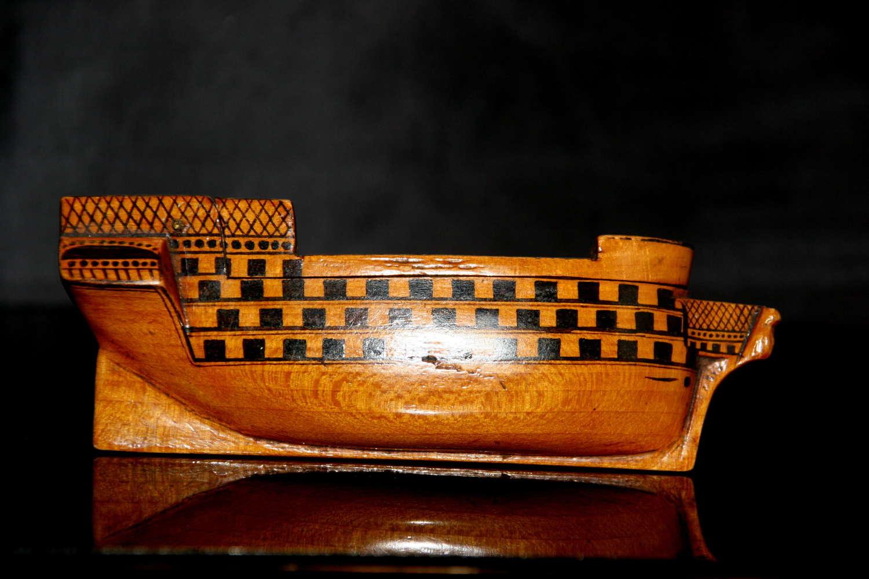 Treen Ship Snuff Box 19th century