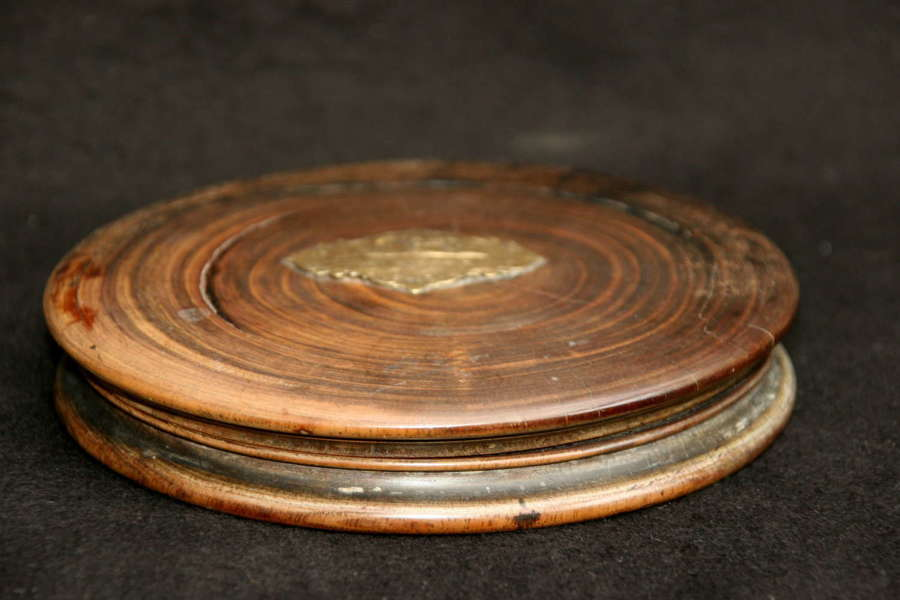 English Treen Large Snuff Box. 19th century